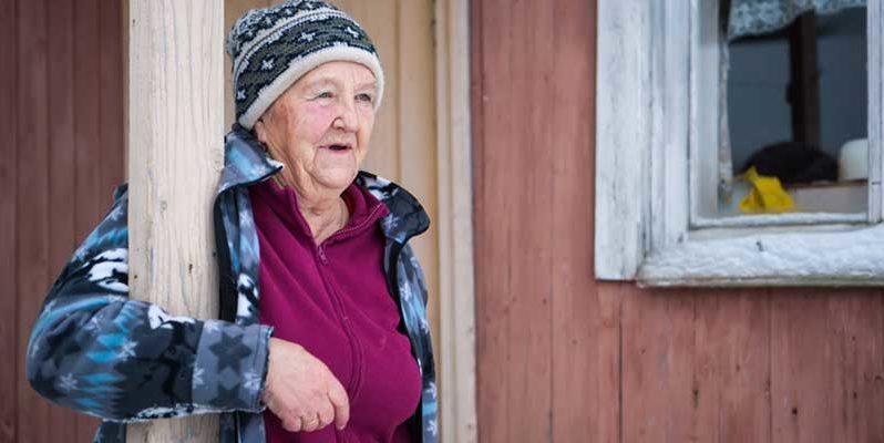 Юрьевна. 80-летняя пенсионерка выхаживает алкоголиков в карельской деревне