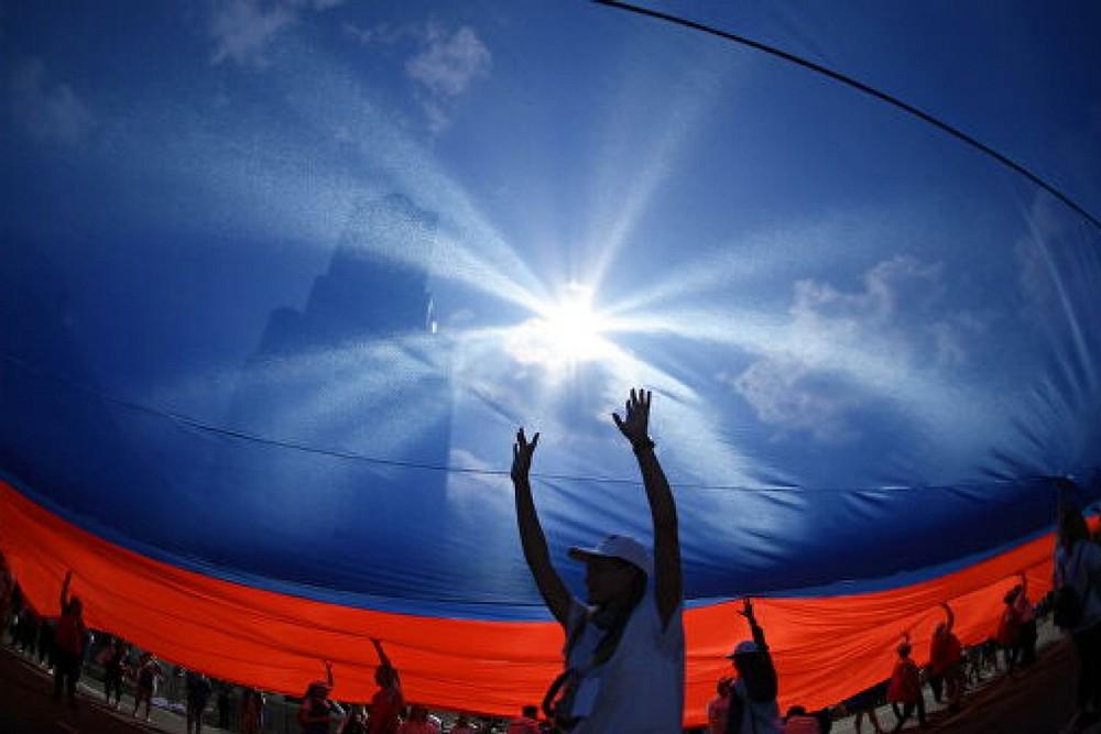 дно и небо флаг России